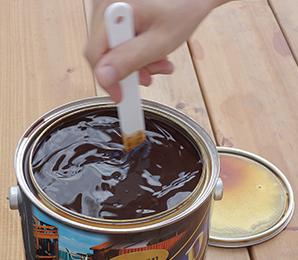 塗装前によくかくはん棒でかきまぜてください。